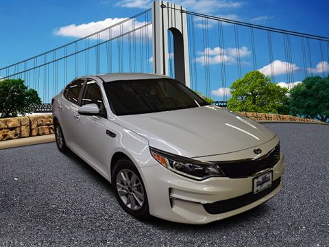 Pre-Owned 2016 Kia Optima LX Front Wheel Drive Sedan