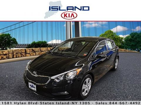 Pre-Owned 2016 Kia Forte 5-Door LX Front Wheel Drive Hatchback